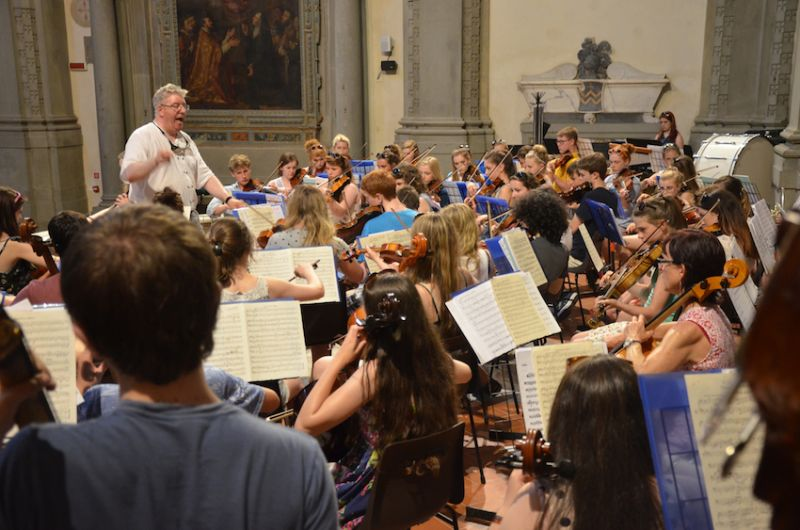 38-PYO-rehearses-the-St-Pauls-Suite