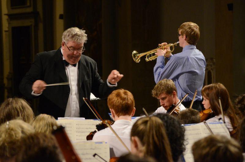 60-Magnus-Pickering-soloist