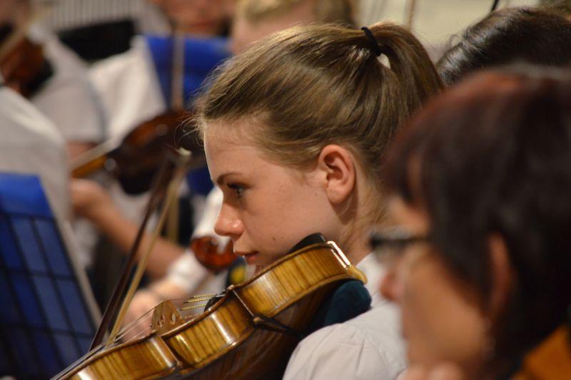 65-Violist-Alanna-Cameron